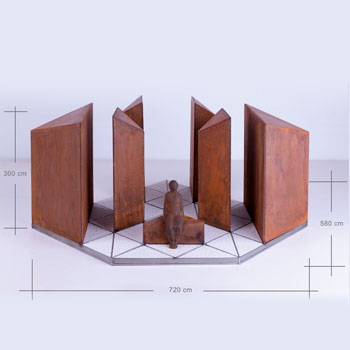 Medidas de 3m de alto x 7,20m de largo x 5,80m de profundidad, del proyecto Diamante del artista Oscar Cenzano para el Museo de Arte Contemporáneo del Camino